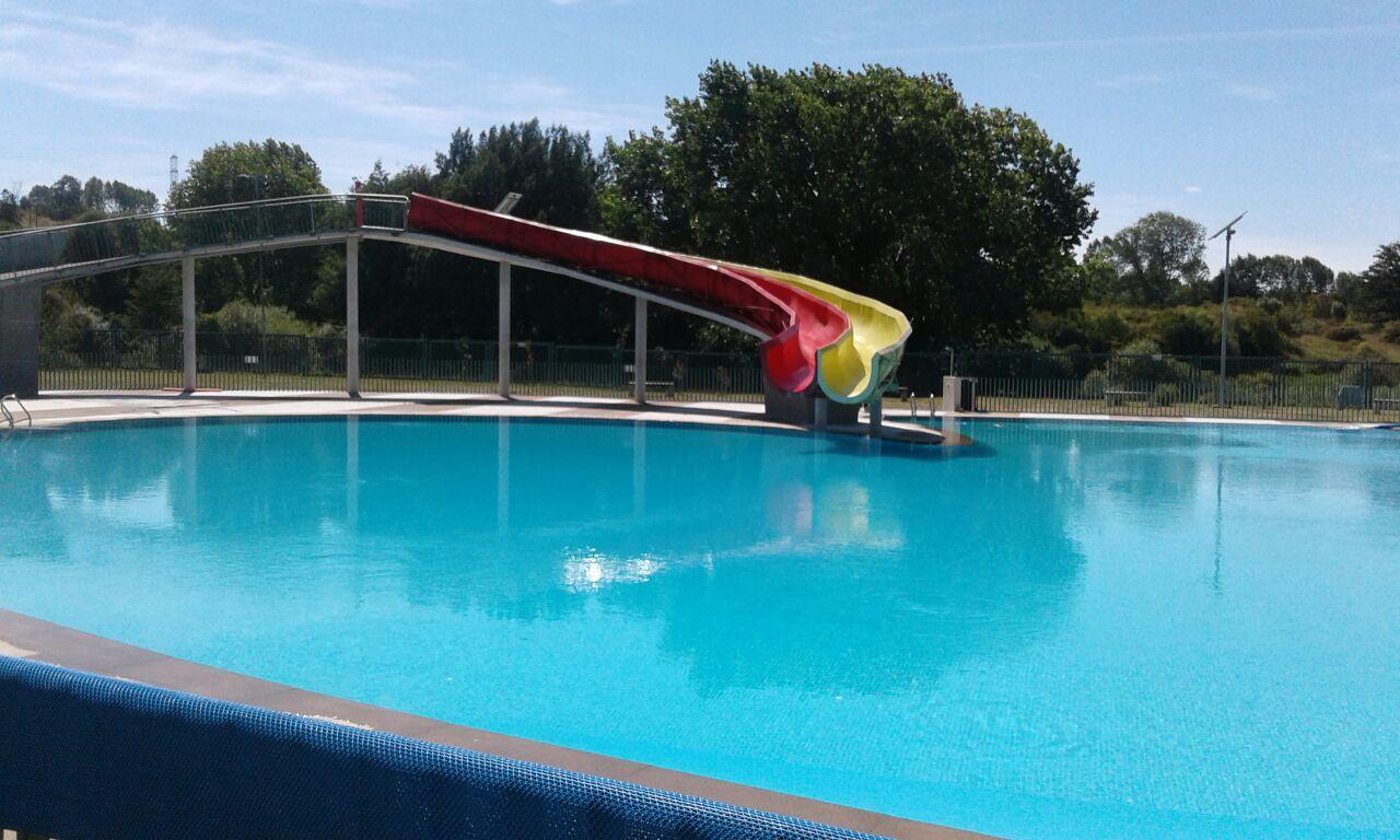 Osorninos cuentan con tres recintos con piscinas para capear las altas temperaturas radiosago - Piscinas altas ...